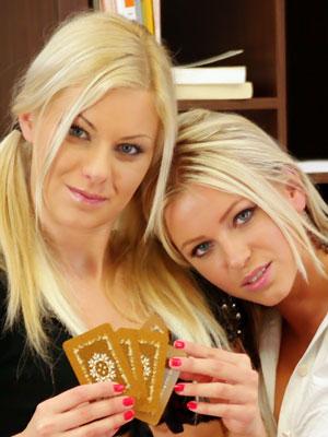 All Star Strip Poker - Girls next door: Cheats und Tipps